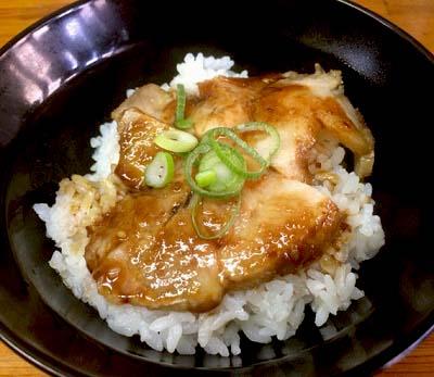福岡市にあるラーメン屋入船食堂のチャーシュー丼