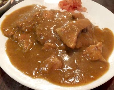 三田駅近くにある中華料理亀喜のカレーライス
