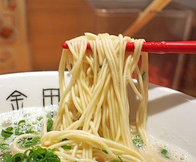 中洲川端駅近くにあるラーメン屋金田家の麺