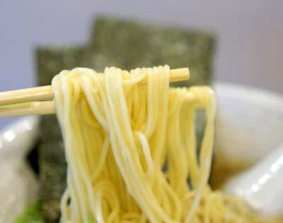駒込駅近くにあるラーメン屋きなりの麺