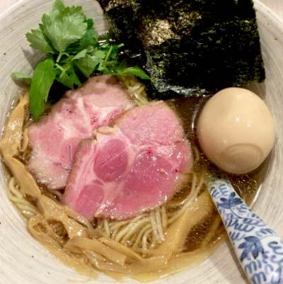 駒込駅近くにあるラーメン屋きなりの特製濃口醤油そば