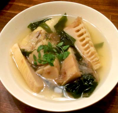 千鳥橋駅近くにある居酒屋金生の煮物