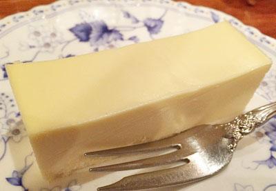 池袋駅近くにある喫茶店皇琲亭のチーズケーキ