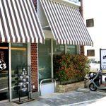 京都出町柳駅近くにある洋食屋のらくろの外観