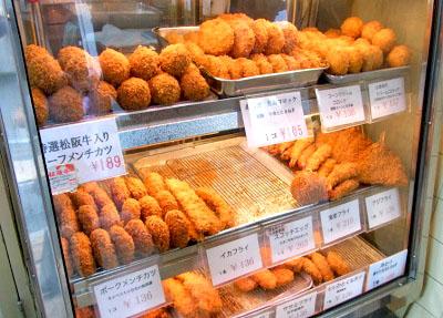 神楽坂駅近くにある大野屋牛肉店のショーケース