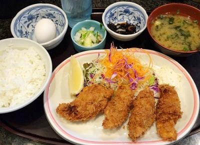市ケ谷駅近くにある洋食店ペザント四番町のカキフライ