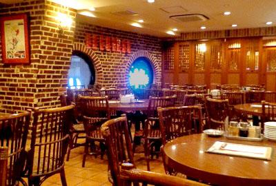 渋谷駅近くにある台湾料理屋麗郷の店内