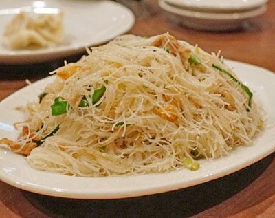 渋谷駅近くにある台湾料理屋麗郷のビーフン