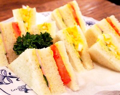 神保町駅近くにある喫茶店さぼうるのサンドウィッチ