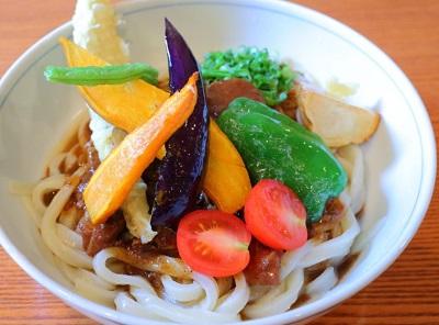 博多駅近くにある侍.うどんの野菜うどん