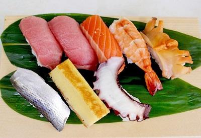 門前仲町駅近くにある三幸苑のにぎり寿司