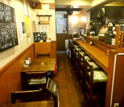 代々木駅近くにある魚介料理志乃ぶの店内