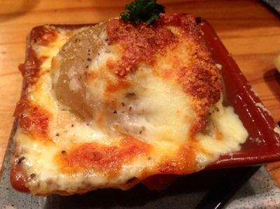 博多駅近くにある創作料理たくまんまのグラタン