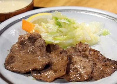 博多駅近くにある牛タン屋たんやHAKATAの牛タン定食