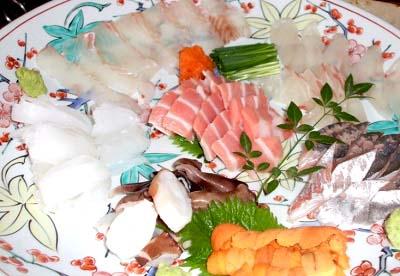 博多駅近くにある魚介料理太郎源の刺身