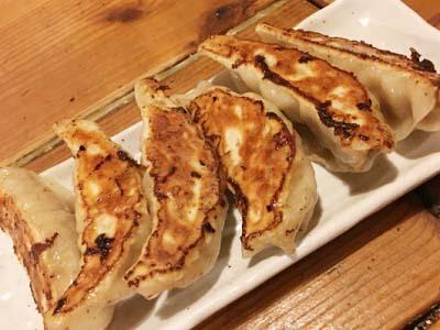 千鳥橋駅近くにある中華料理天天菜館の餃子