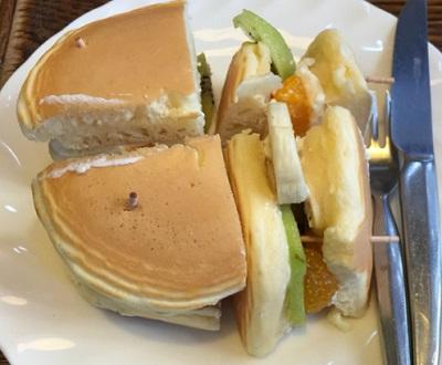 錦糸町駅近くにある喫茶店トミィのケーキサンド