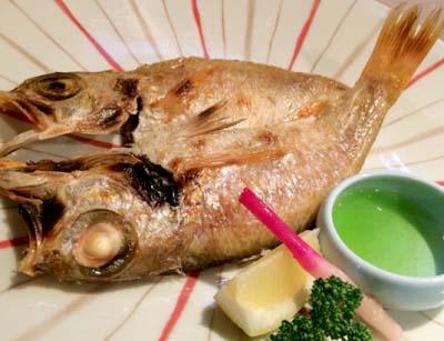 三条京阪駅近くにある居酒屋よこちょうの焼き魚