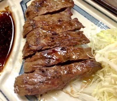 京都市役所前駅近くにある居酒屋よしみのステーキ