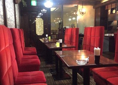 博多駅近くにある喫茶店由蘭の店内