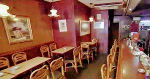 東京都港区白金台にある老舗洋食喫茶roroの店内