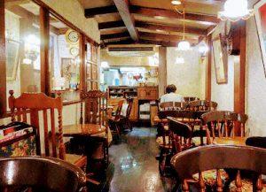 東京都中野区にある洋食屋六曜舎 (ロクヨウシャ)の店内